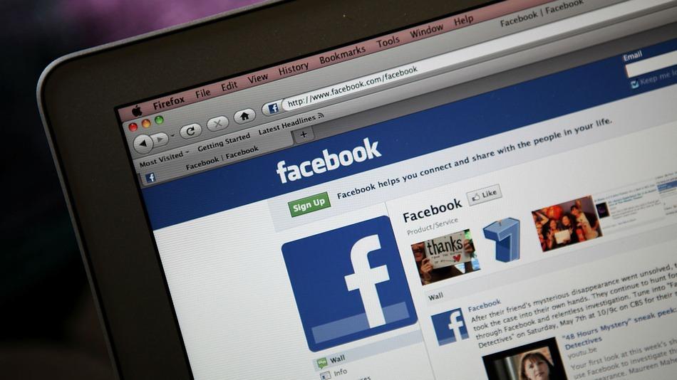 1-3-americans-facebook-news